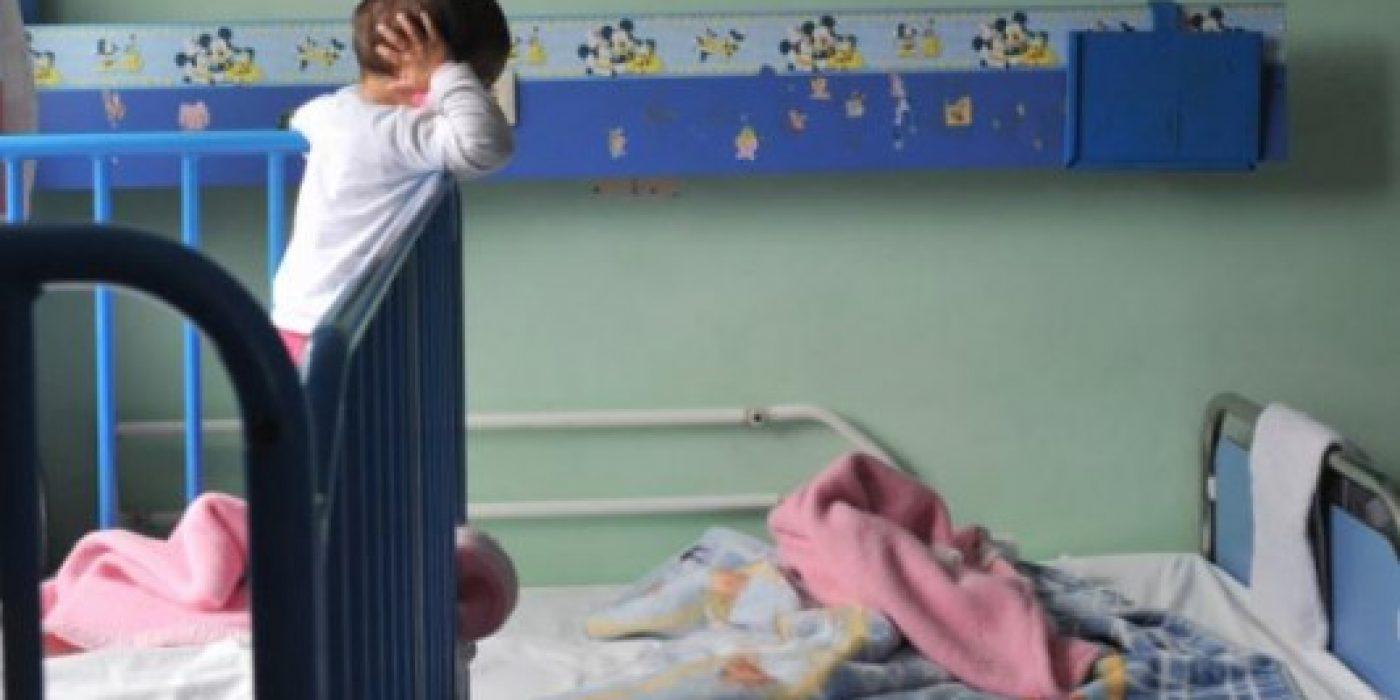 Αδιανόητο: Δείτε τι απάντησε στους αστυνομικούς η μάνα που παράτησε τα τρία κοριτσάκια στην Πάτρα