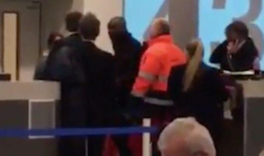Θράσος: Υπάλληλος δεν επέτρεψε σε αργοπορημένη επιβάτη να επιβιβαστεί και αυτή την χαστούκισε!