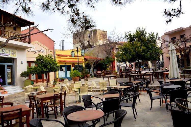 Αυτό το πολύχρωμο και πολυβραβευμένο χωριό βρίσκεται στην Ελλάδα! (εικόνες)