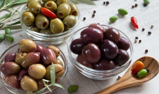 20 λόγοι για τους οποίους πρέπει να αρχίσετε να τρώτε ελιές τώρα!