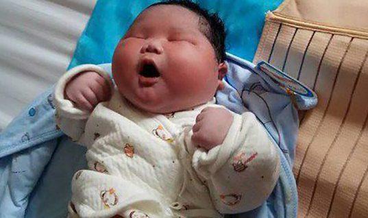 Viral το μωρό στην Κίνα που γεννήθηκε 7 κιλά!