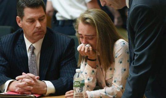 Τραγική υπόθεση: Έσπρωξε στην αυτοκτονία τον φίλο της και το «έπαιζε» θλιμμένη φιλενάδα- Κινδυνεύει με φυλάκιση 20 ετών