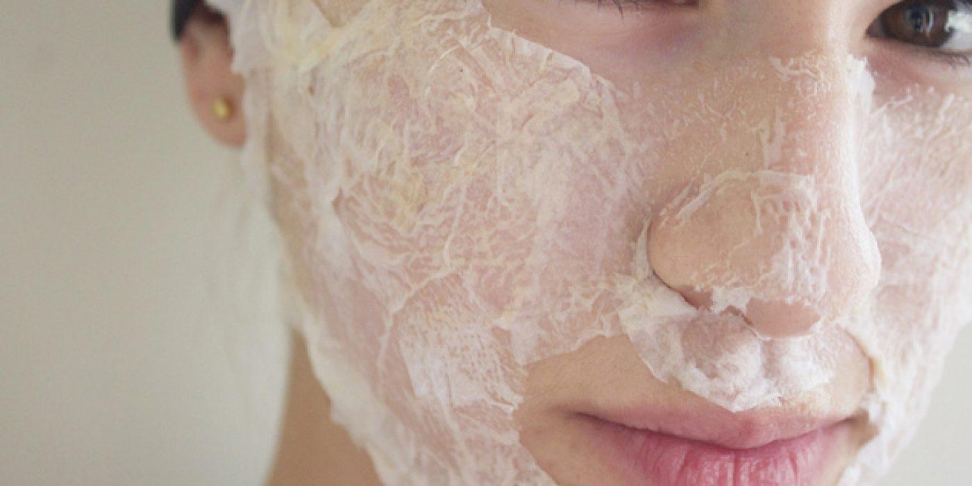 Σύσφιξη στο λεπτό: Φτιάξε μόνη σου τη μάσκα από αυγό για την οποία μιλάνε όλοι αυτοί τη στιγμή!