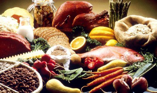 4 τροφές που μπορείς να τρως κάθε μέρα χωρίς να παίρνεις θερμίδες σύμφωνα με personal trainer