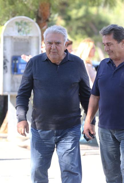 Πασχάλης Τερζής: Η σπάνια δημόσια εμφάνισή του στην Αθήνα! (εικόνες)